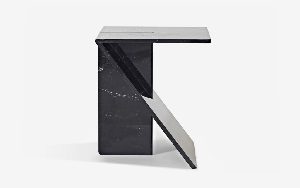 SIDE TABLE CLÉ BLACK MARBLE FROM MARQUINA