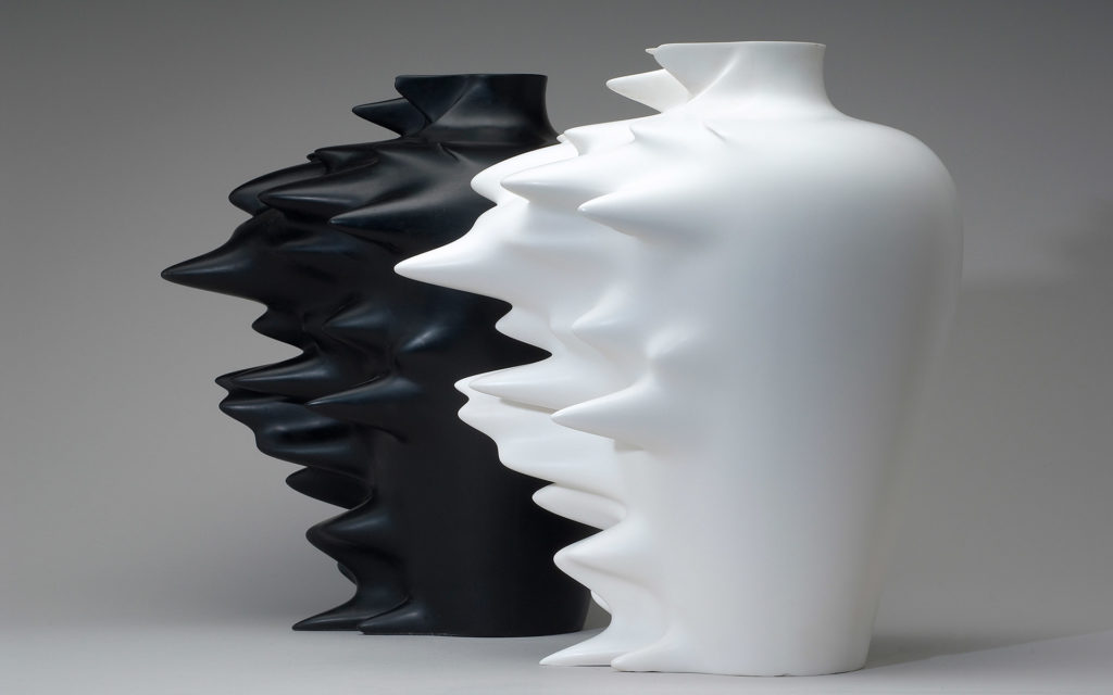 VASE FAST CORIAN WHITE GLACIER AND BLACK NOCTURNE
