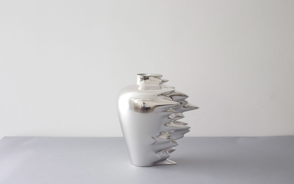 VASE HYPERFAST LACQUERED CORIAN CHROME