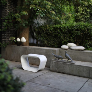 PIECES IN SITU STOOL VOID WHITE MARBLE FROM CARRARA BATTERY CHARGED LAMP BELLE DE NUIT CERAMIC