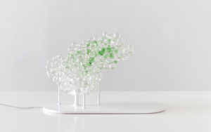 LAMP MORNINGMIST ASPARGUS GREEN GLASS BEAD BASE IN SHINY WHITE LACQUERED STEEL