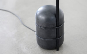 DETAILS FLOOR LAMP EDALIGHT CONCRETE