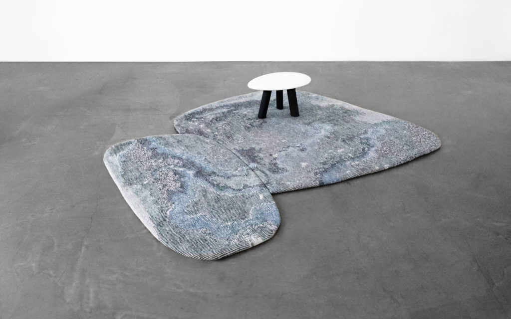 RUG EAU AUBUSSON TAPESTRY WOOD AND CERAMIC BISQUE STOOL