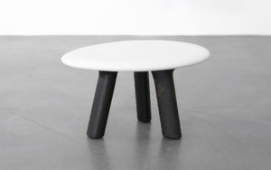 RUG EAU WOOD AND CERAMIC BISQUE STOOL
