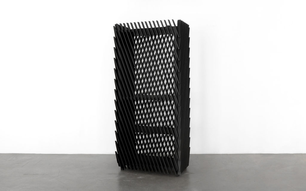 Cabinet Stripes - Illusion - vue d'angle 1